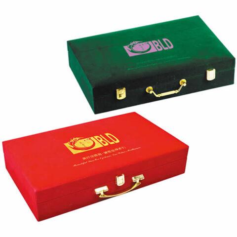 紋繡貴賓套盒